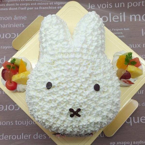 うさぎの人気キャラクターケーキ