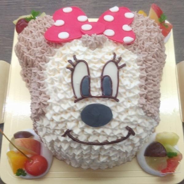 世界的人気キャラクターケーキ