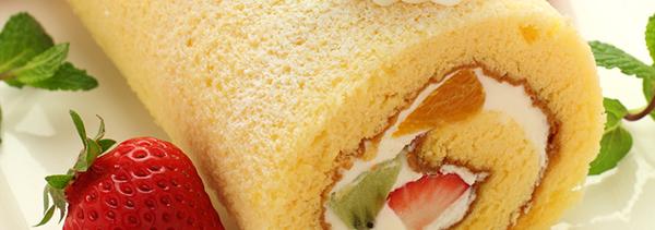 美味しいけど作るのが難しい!フルーツロールケーキの魅力